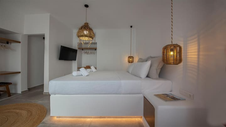 Mykonos Town Luxury Suite