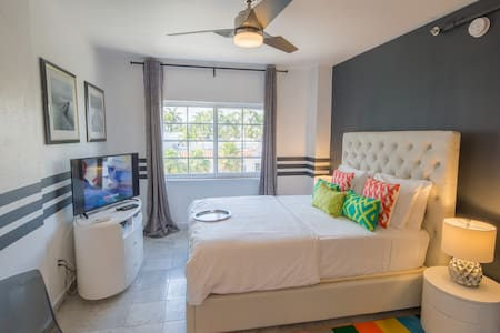 SOBE Refined Studio 2 min to Beach & Ocean Drive - Miami Beach - Appartement