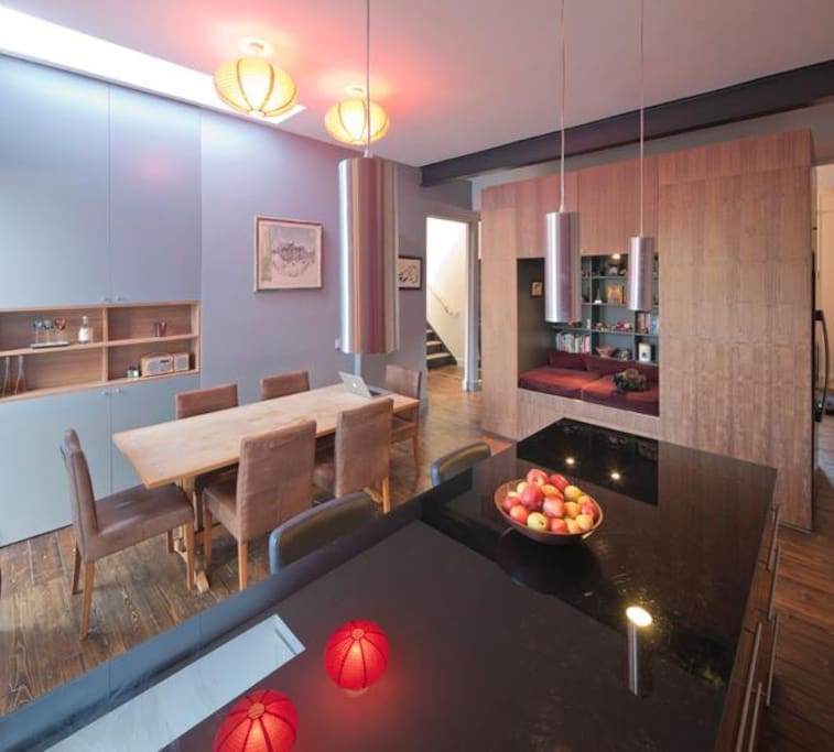 kitchen/ diner with 'pod' for chilling out