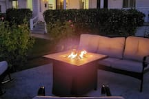 Relax in front of the fire pit in the evening.