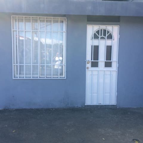 Apartamento pequeno acogedor cerca - Alajuela - Apartment