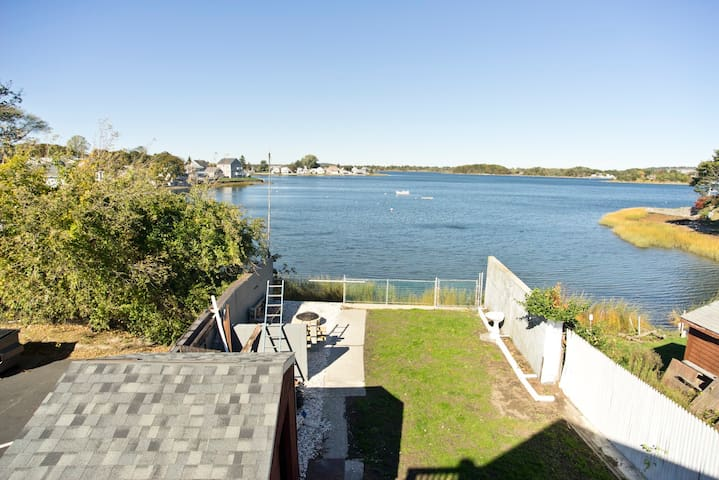 Waterfront 3 bed 2 bath in Portsmouth