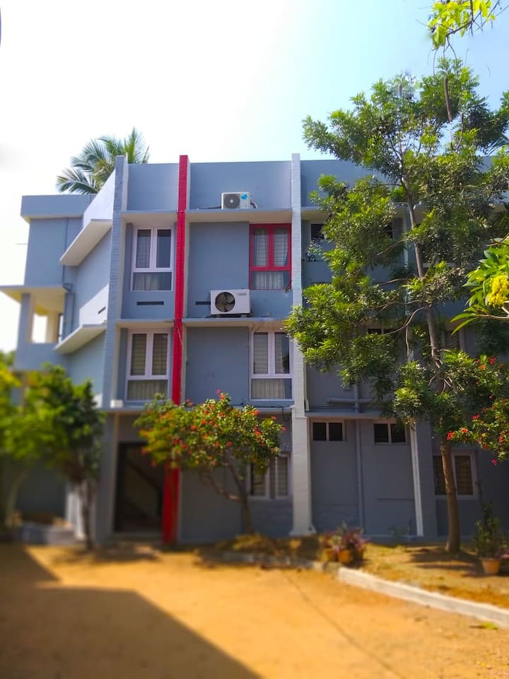 Hotel Townhouse Club || Beach View Road | Airport