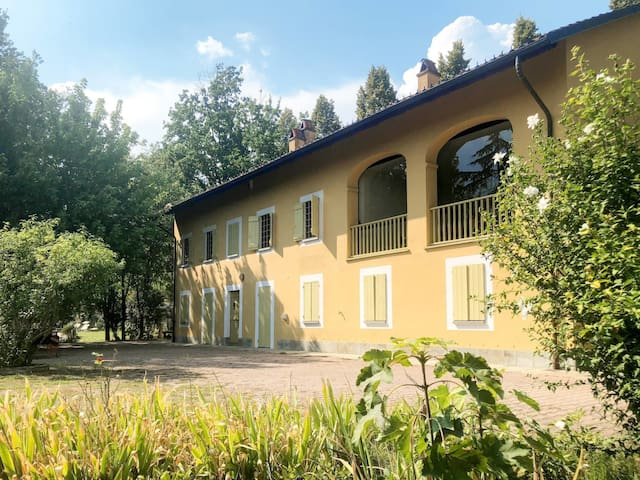 Holiday House Giorgio for 12 persons in Ferrere