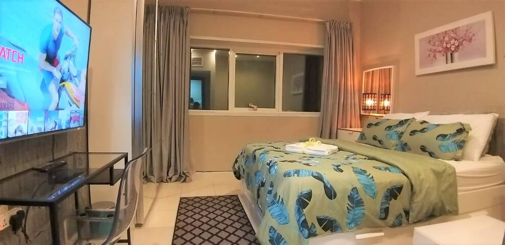 Economy Double Private Room with side Sea View