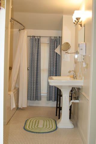 Milk house Bathroom.
