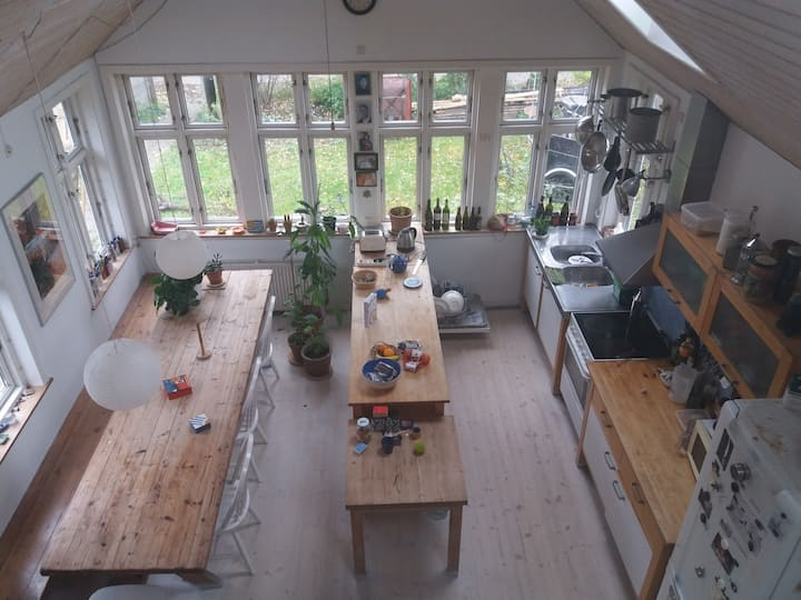 Lovely room with big garden
