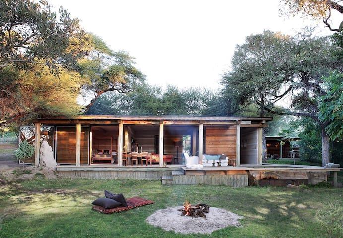 Otto House & Shack - Maun - Huis
