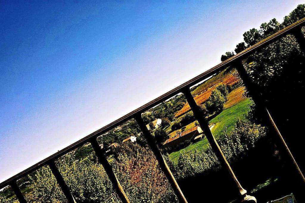 Veduta dal balcone della camera.