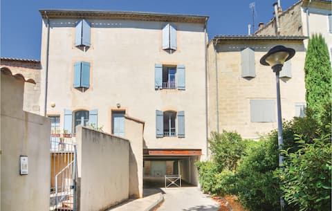 Nice home in Uzès with WiFi and 1 Bedrooms
