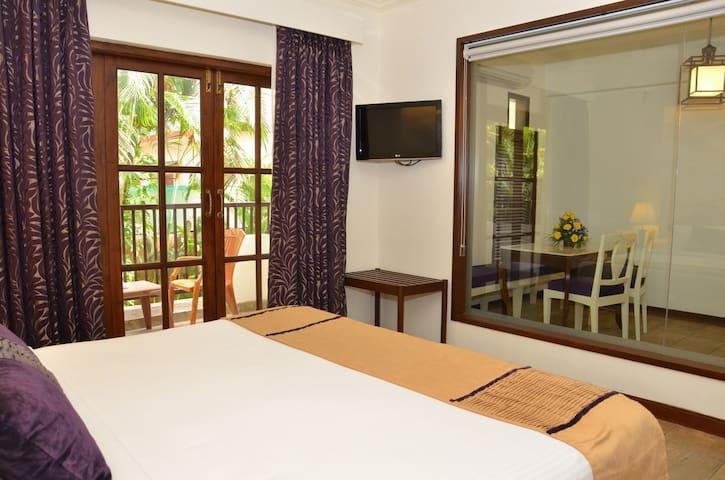 Honeymoon Suit Room @ candolim - Arpora - Apartment