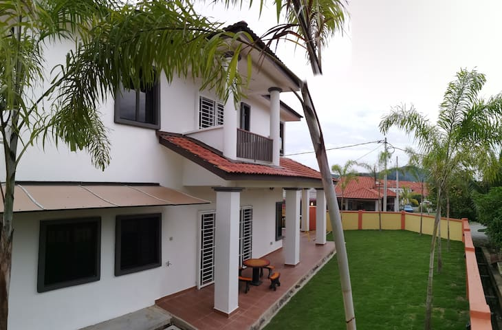 51 Somerset Bentong Homestay @ Palm Garden