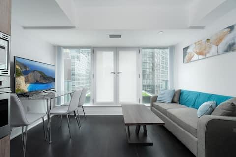 Modern Condo - 1 BR + Sofa Bed + New Building