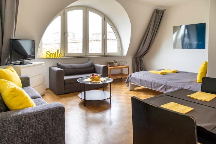 [9] Heart of Berlin Rooftop Apartment