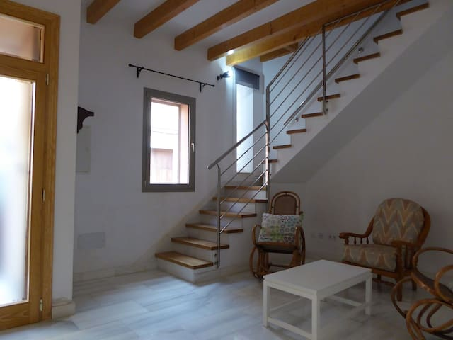 Town house near the beach – Casa Can Moson