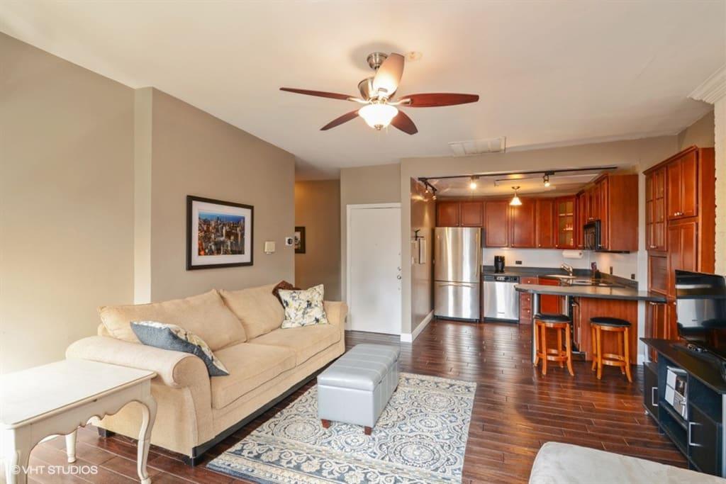Gold Coast River North 2 Bedroom Vintage Condo Condominiums For Rent In Chicago Illinois