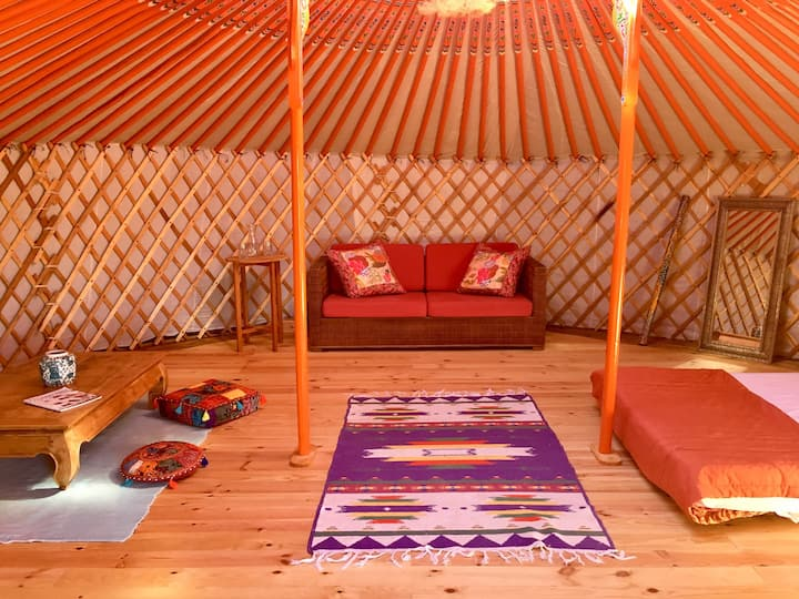 Spacious yurt in beautiful country near the beach