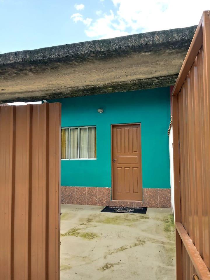 Casa independente 400 m praia arejada sem mofo