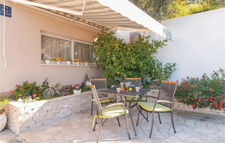 Holiday apartment with 1 bedroom on 30m² in Podstrana
