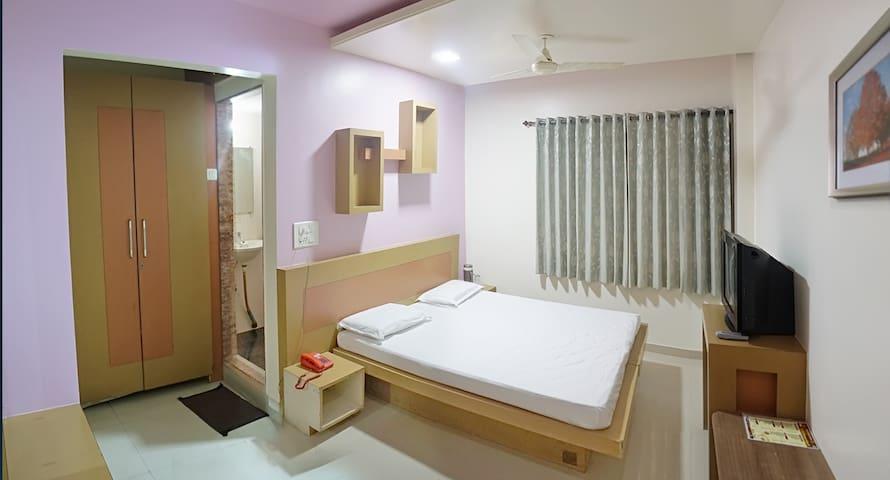 Hotel Krishna Palace, Karad Deluxe Room Ac