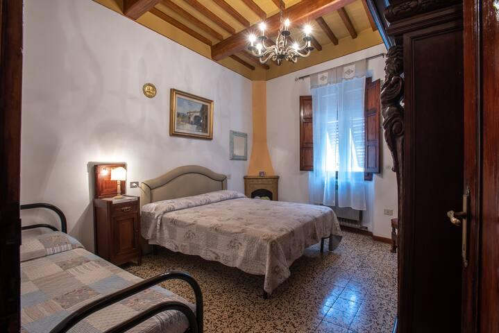 Il VIANDANTE - Room ..dormire sulla Via Francigena