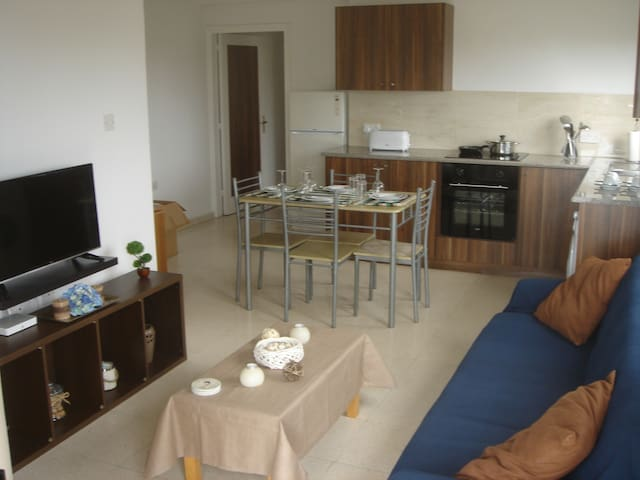 2 bedroom holiday apartment close to the beach. - Pyla