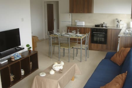 2 bedroom holiday apartment close to the beach. - Pyla - อพาร์ทเมนท์