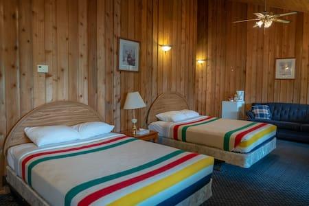 Yellowbird Lodge Suite # 203