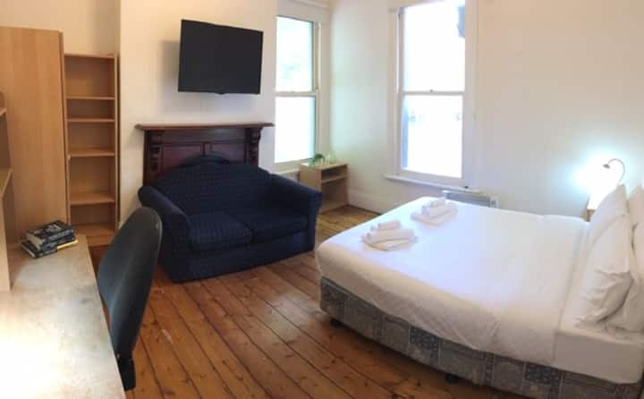 Double Room in the Boundary of the city!