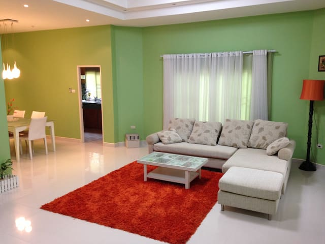 Nice 2 Bed room House in Pattaya. - Laem Chabang - Casa