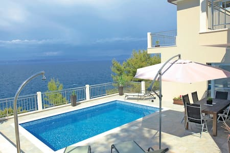 Waterfront house with the view - Prigradica