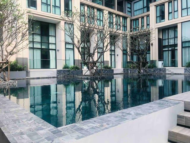 Spring Love House网红公寓阳台连接泳池-2天以上赠送接机服务
