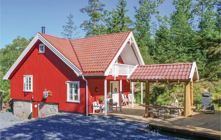 Holiday cottage with 4 bedrooms on 85m² in Søndeled