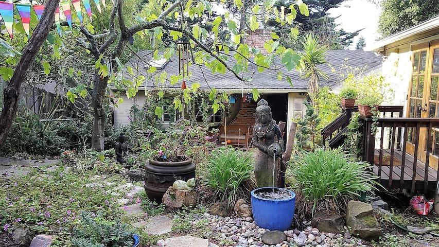 Serene Retreat in the Oakland Hills
