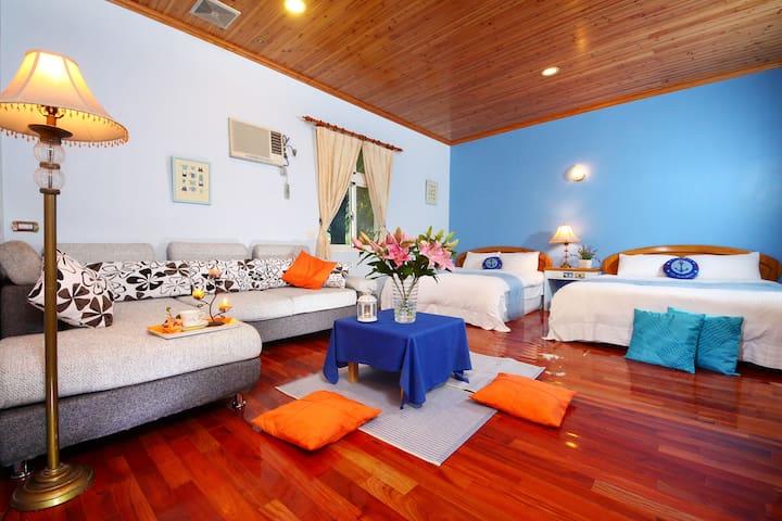 近望龍埤生態區,愉悅的藍海四人套房,避暑好勝地,一早醒來的陽光與主人手做的在地早餐,享受美好的假期。