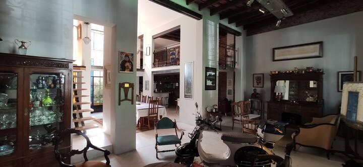 Cozy suite in an amazing loft in San Telmo
