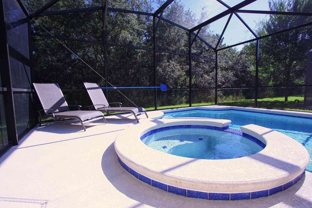 Large Lanai with Spa & Private Pool