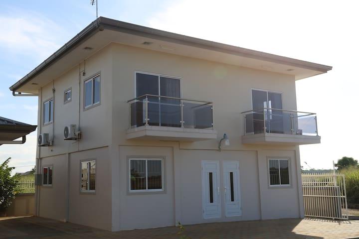 2 slaapkamer appartementen met een balkon op de 1e verdieping