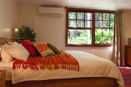 2-bedroom Bali-style Villa with luxury amenities - ユーイングスデール