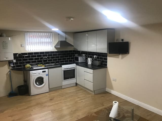 Quiet and stylish studio flat with free parking
