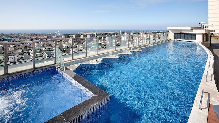 All Season Pool in Jeju City ★ Standard Twin