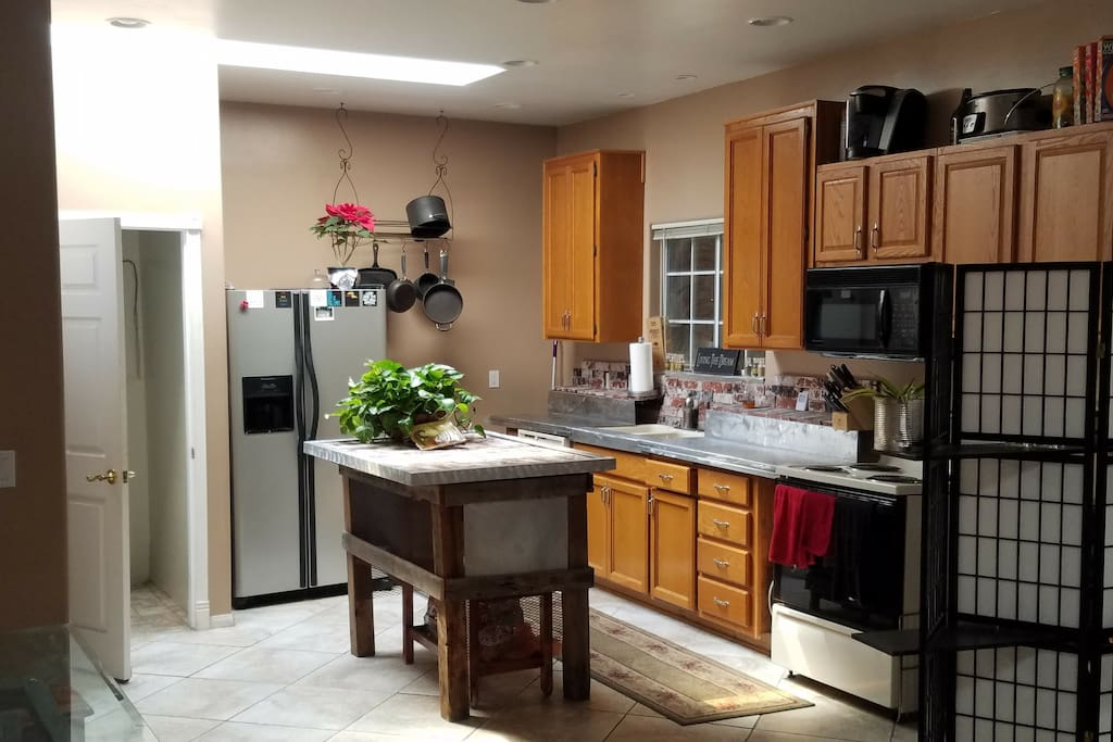 Full Kitchen with Large Island for