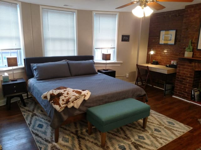 The Pittsburgh Suite (completely private, no host)