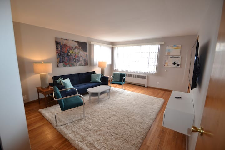 H-1 Furnished 1BR near Kenwood