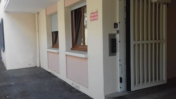 Chateauroux studio rez de chaussée centre ville