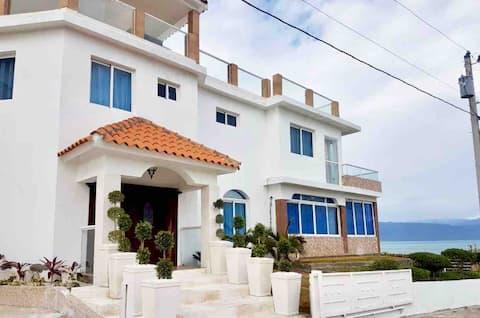 VILLA LIZ Playa Monterio, AZUA.  Rep. Dom.