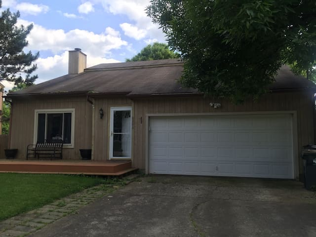Cozy Home Private Yard, quiet - Jeffersontown - House