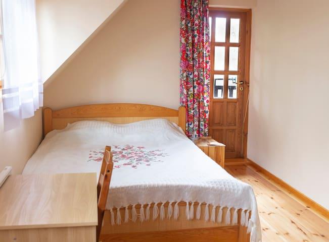 sypialnia większa