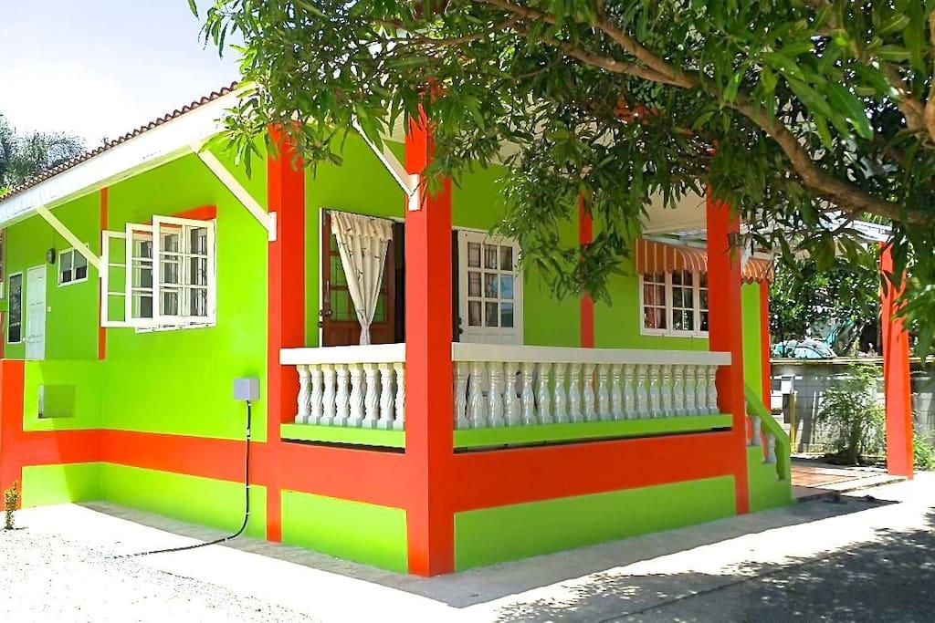 Baan Tong Thip House 1