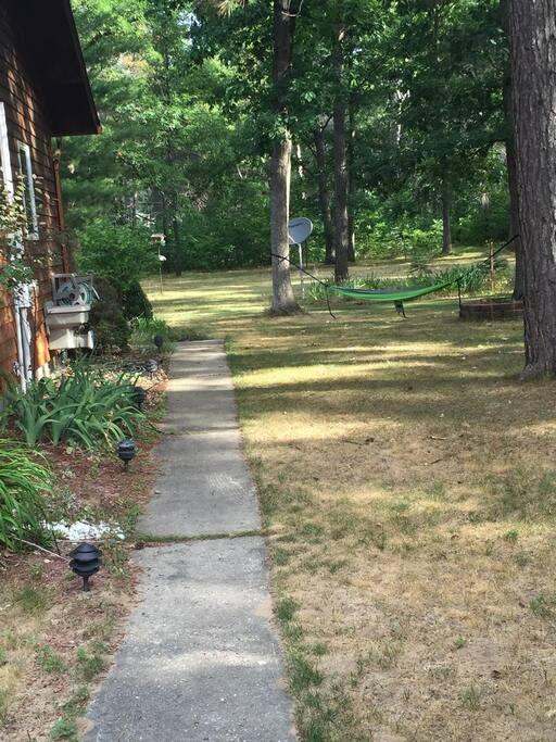 Side yard relax outside in Hammock